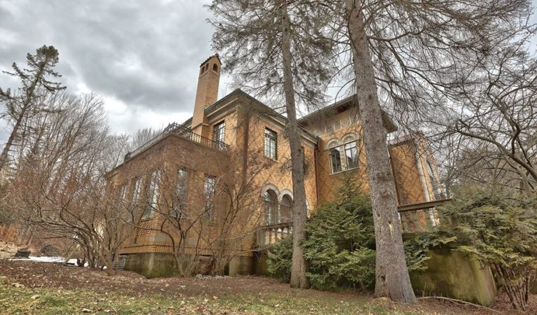 The Yeager Estate – Historic Mansion in the Catskill Mountains of New York